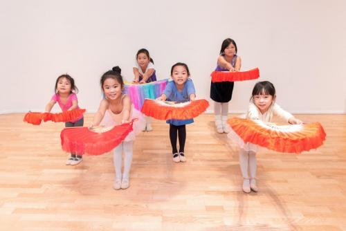 Chinese kids class in Canada Water studio