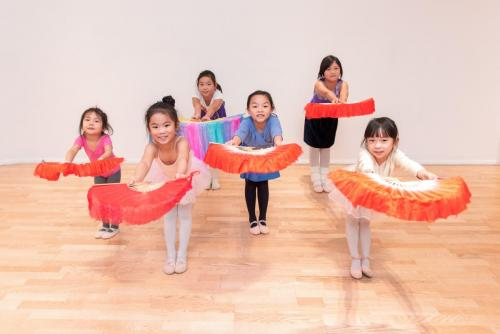 Chinese kids class in Canada Water studio