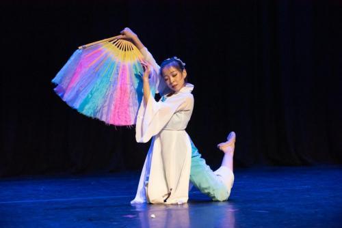 """Chinese Fan Dance """"Shan Wu Dan Qing"""""""
